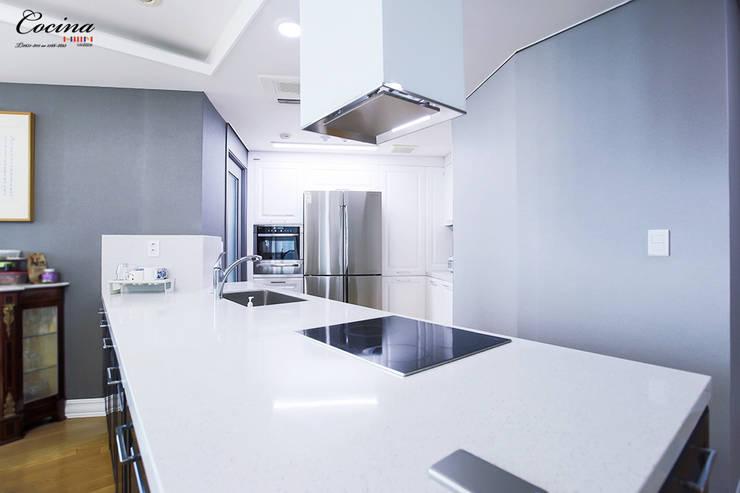 서울 양천구 목동 하이페리온: cocina의  주방 설비,