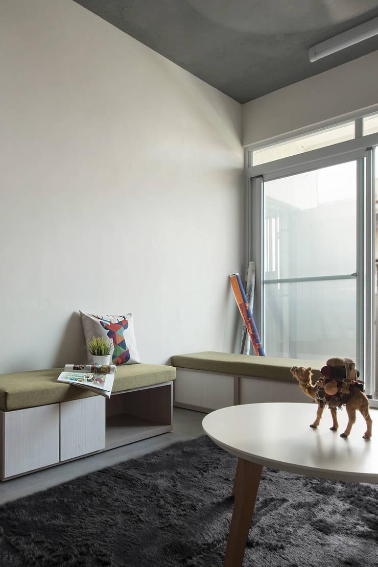 規劃空間|客餐廳:  客廳 by 小寶股份有限公司