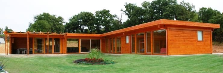 RUSTICASA | Casa unifamiliar | Moncorvo: Casas de madeira  por Rusticasa
