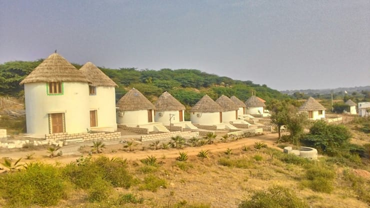 Traditional Cottage cluster:  Hotels by MRJ ASSOCIATES