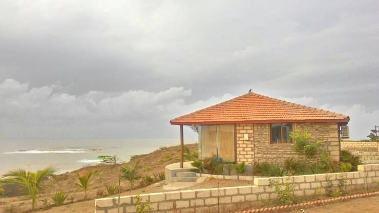 Ventura Cottage:  Hotels by MRJ ASSOCIATES