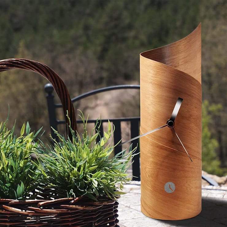 Tothora Surf Clock - Cedar:  Living room by Just For Clocks
