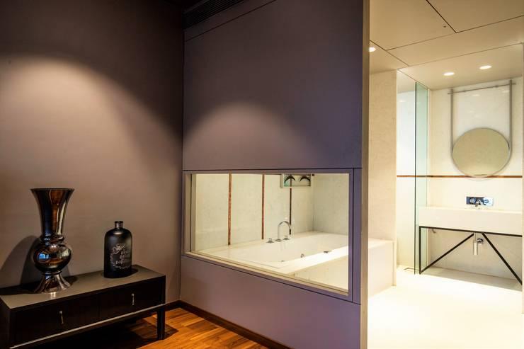 BATHROOM VIEW:  Bathroom by DESIGNER'S CIRCLE