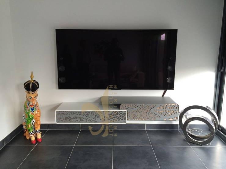 Meuble Tv Suspendu Corian Acier Et Bois Sur Mesure By