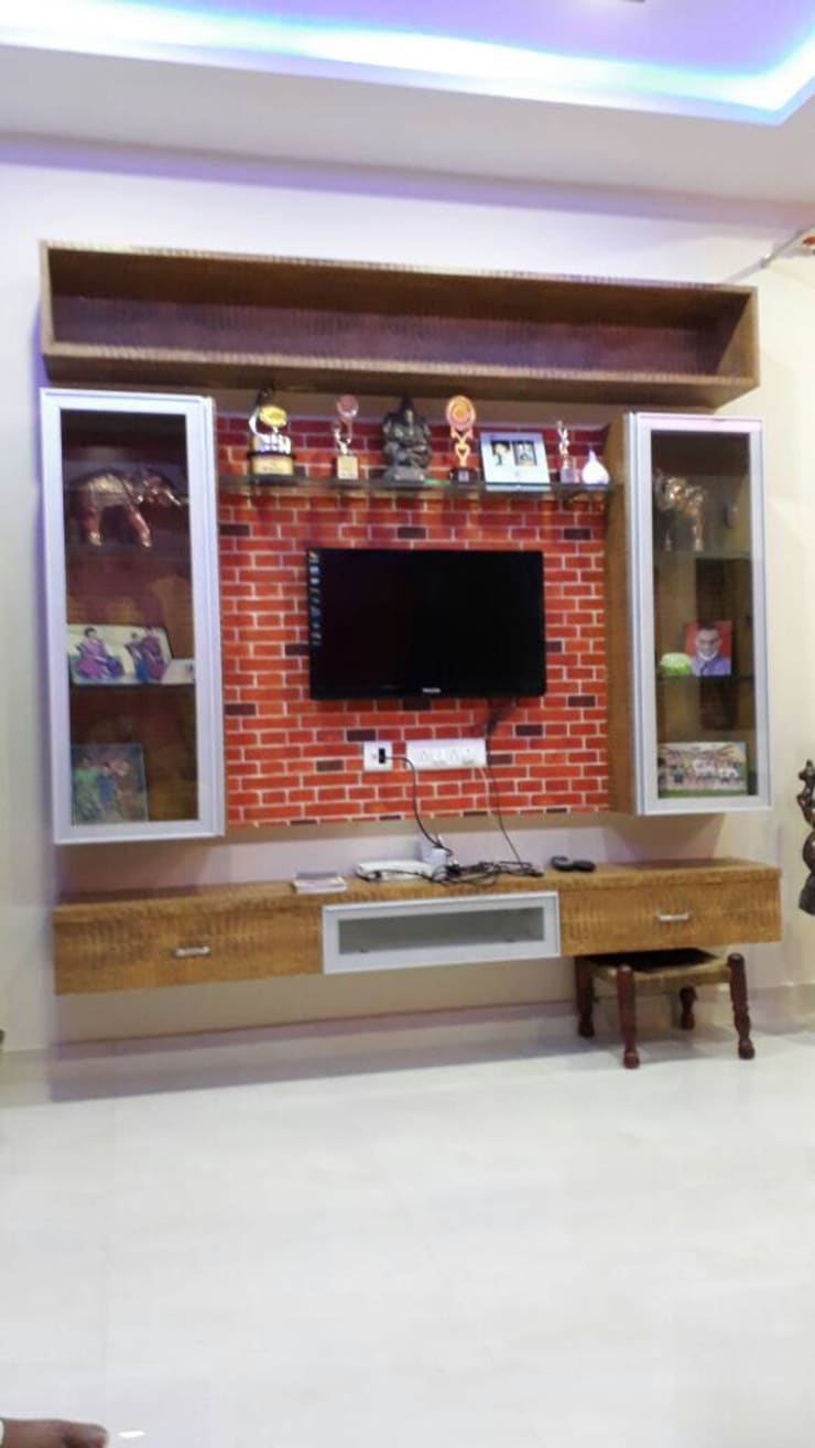 Tv unit with profile doors:  Living room by creative touch interiors