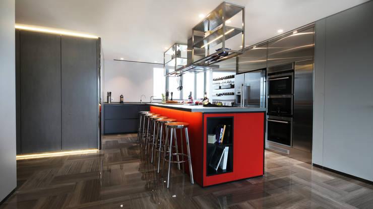 Parc Palais:  Built-in kitchens by Artta Concept Studio, Modern