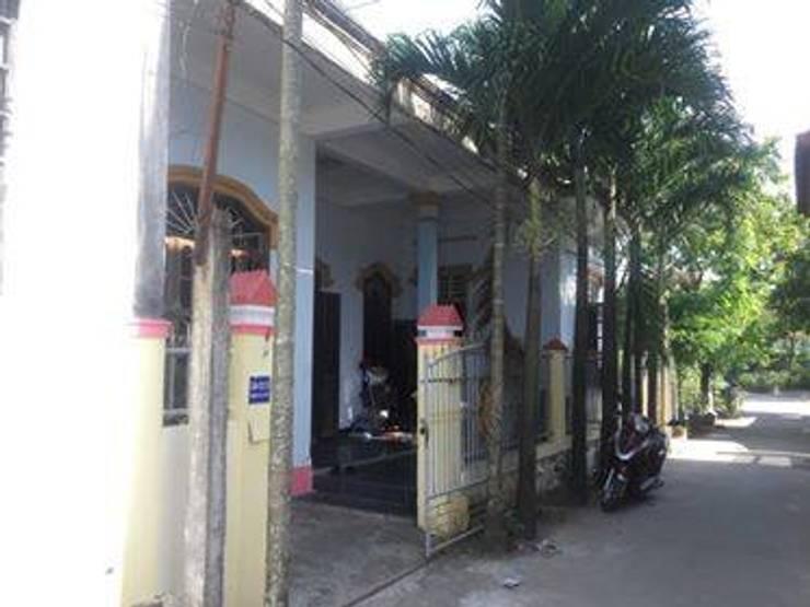 Nhà trước khi cải tạo:   by Công ty Kiến trúc Á Âu