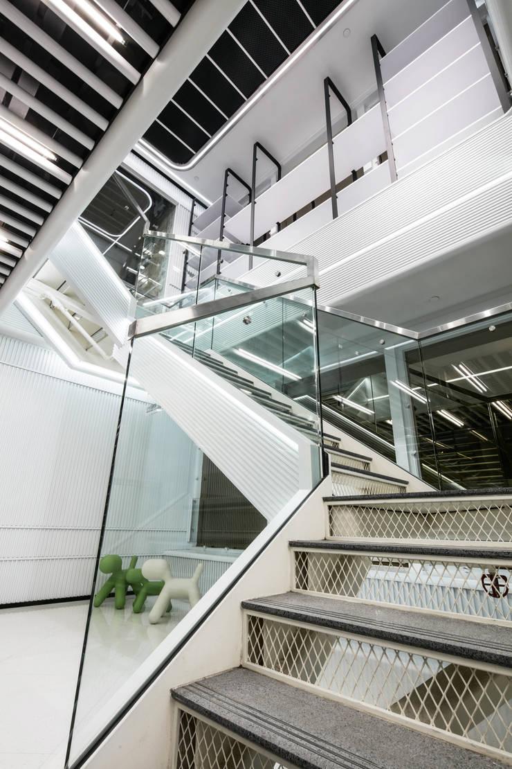 Ginza Plaza:  Shopping Centres by Artta Concept Studio
