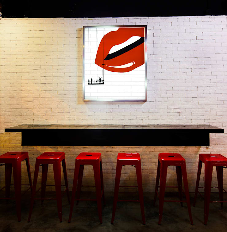 Lips:  Bars & clubs by Artta Concept Studio