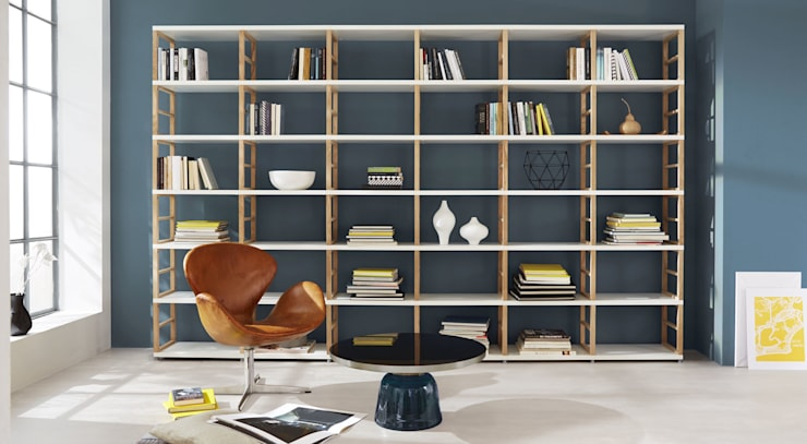 MAXX—Open Shelving Units: scandinavian Living room by Regalraum UK
