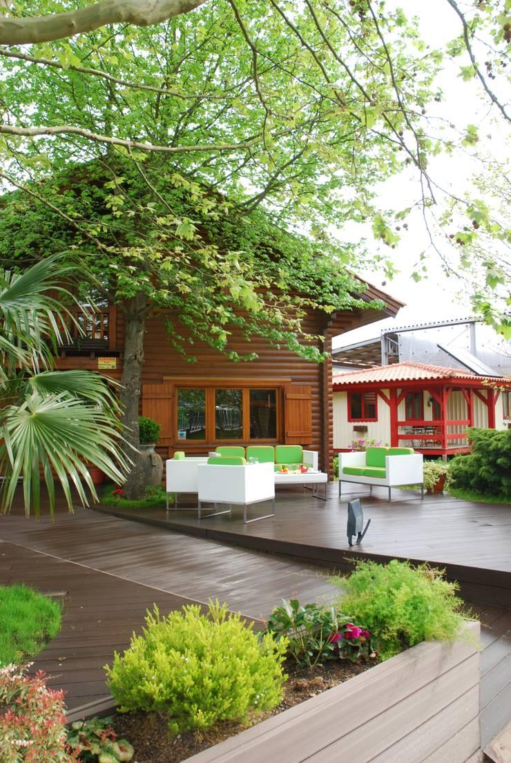 Rumah kayu oleh Rusticasa, Rustic Parket Multicolored