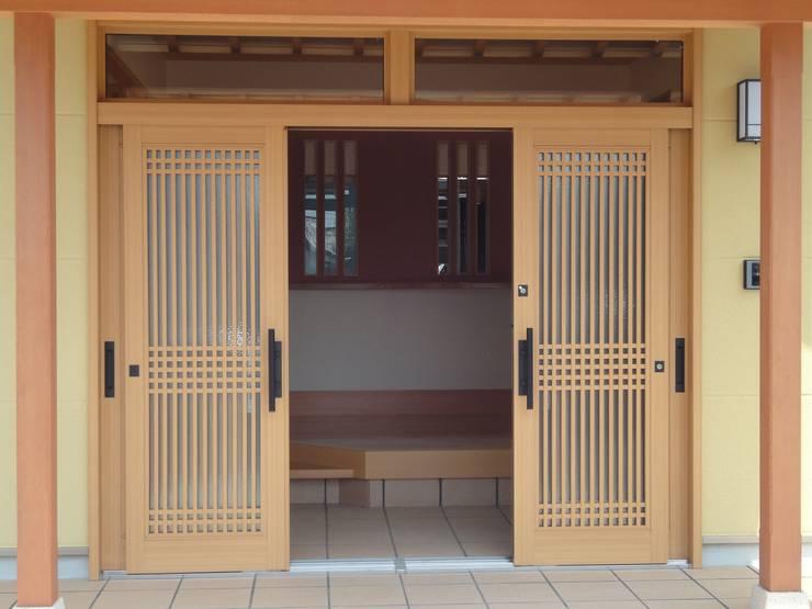 Doors by マルモコハウス