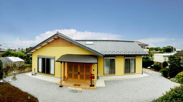 modern Houses by マルモコハウス
