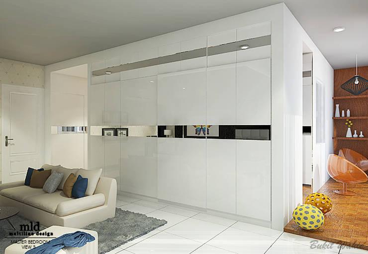 Master Bedroom Semarang – Bukit Wahid Regency:  Ruang Ganti by Multiline Design