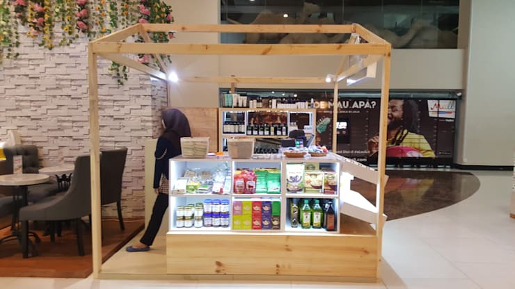 Booth Ecozest – Kemang Village:  Ruang Komersial by Multiline Design