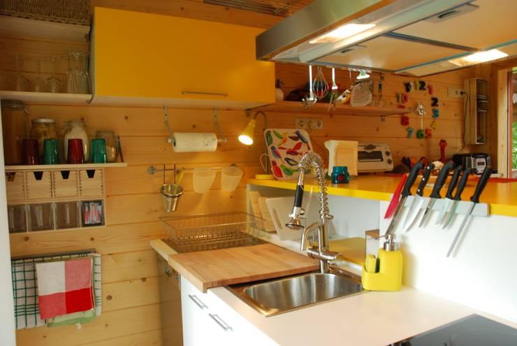 Unit dapur oleh Rusticasa, Modern Kayu Wood effect