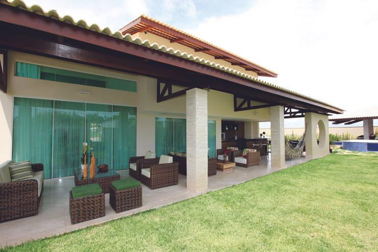 Maisons de style  par Danielle Valente Arquitetura e Interiores