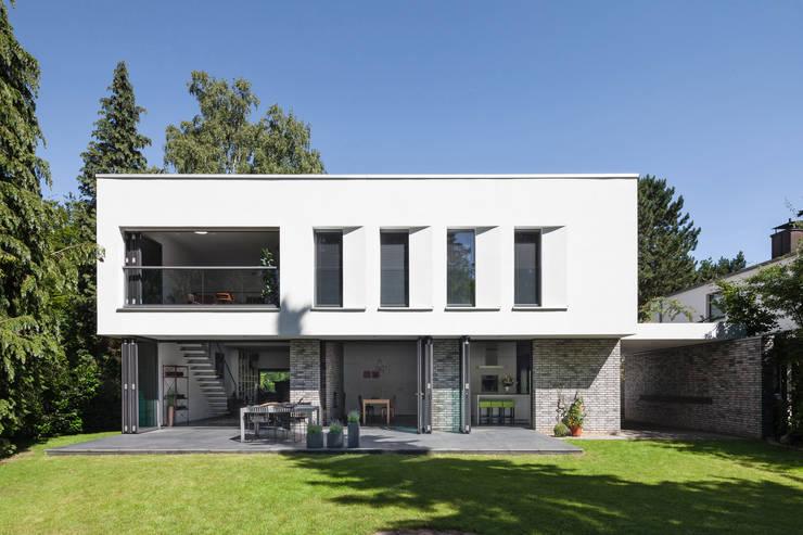 Biệt thự by Sieckmann Walther Architekten