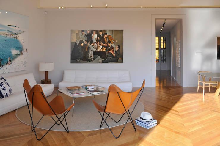 Projekty,  Salon zaprojektowane przez Rardo - Architects,