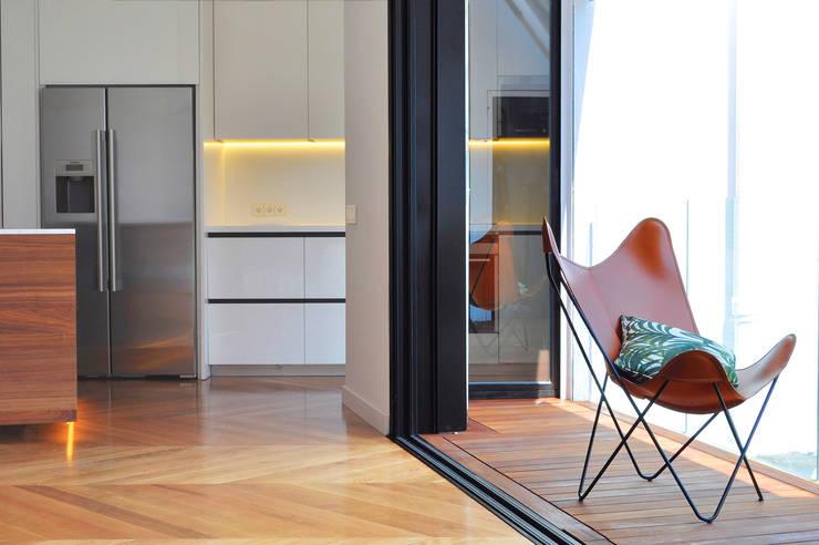 Projekty,  Taras zaprojektowane przez Rardo - Architects,