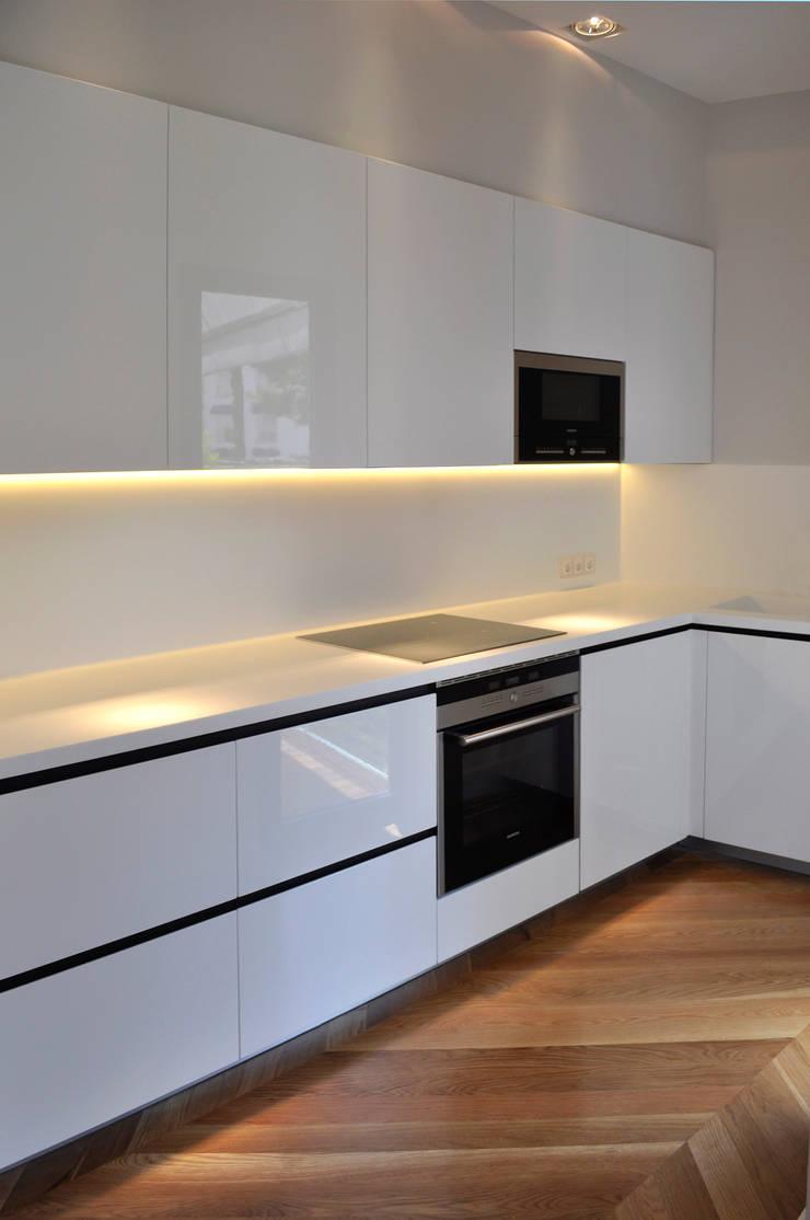 Projekty,  Kuchnia zaprojektowane przez Rardo - Architects,