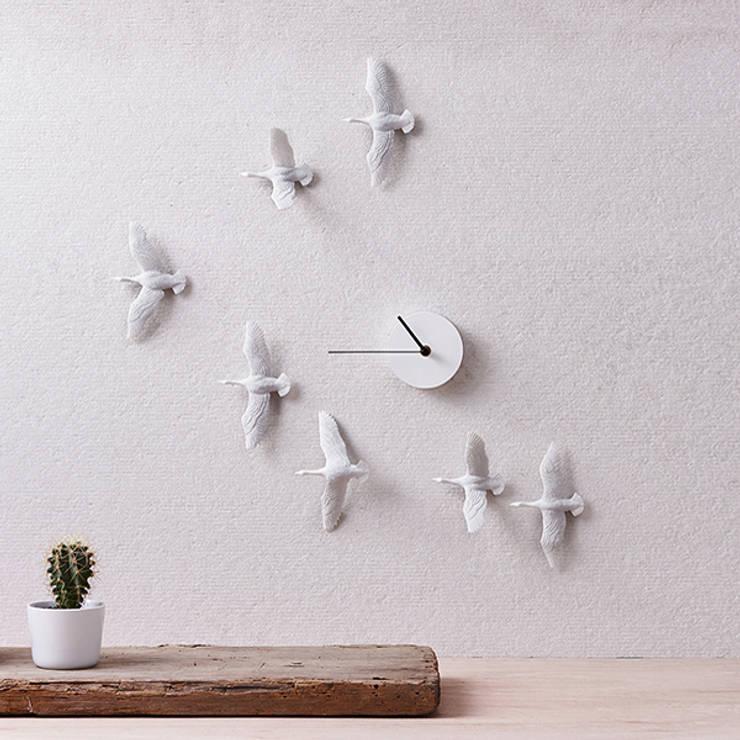 Haoshi Migrantbird X Clock - V Form: modern Living room by Just For Clocks