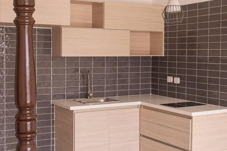 Apartamento 3: Cocinas de estilo  por santiago dussan architecture & Interior design, Ecléctico