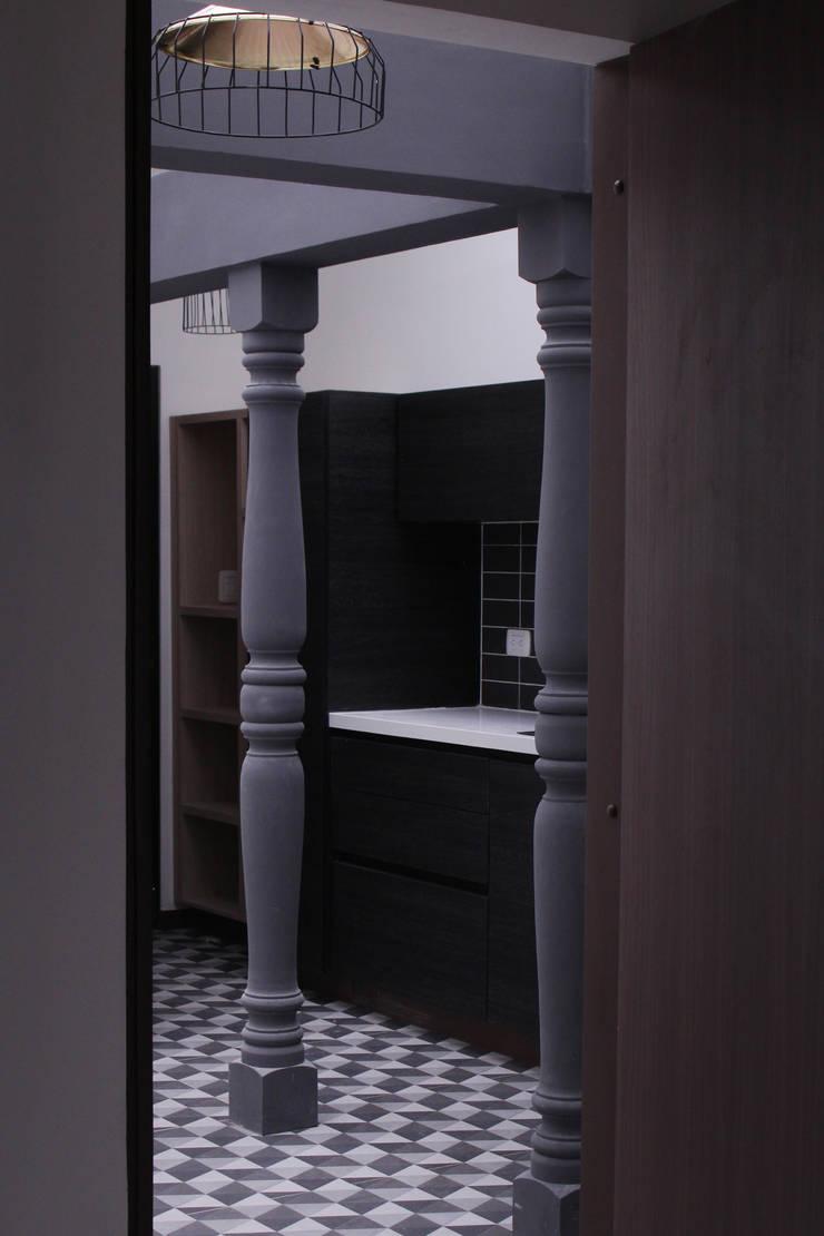 apartamento 8: Cocinas de estilo  por santiago dussan architecture & Interior design, Ecléctico