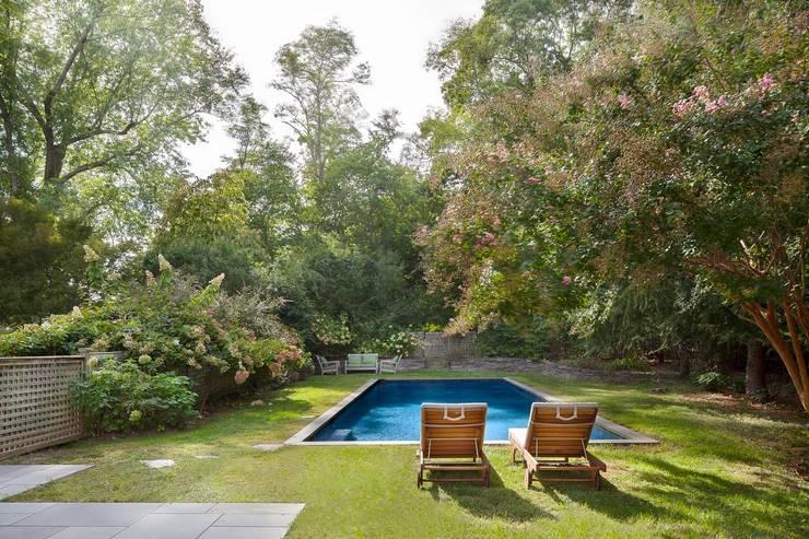 Albercas de jardín de estilo  por andretchelistcheffarchitects