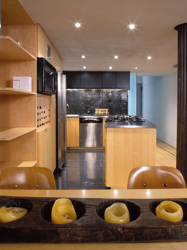 greenwich village duplex:  Built-in kitchens by Kimberly Peck Architect