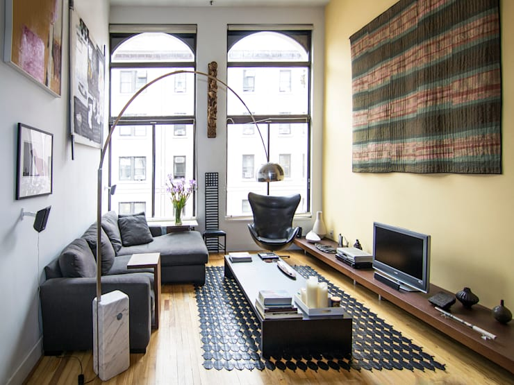 greenwich village duplex:  Living room by Kimberly Peck Architect