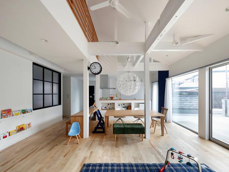Ruang Keluarga oleh atelier m