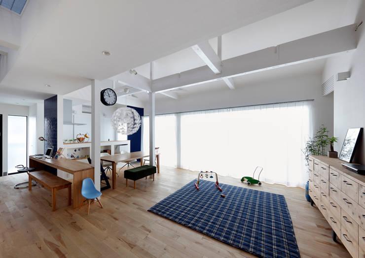 Phòng khách by atelier m
