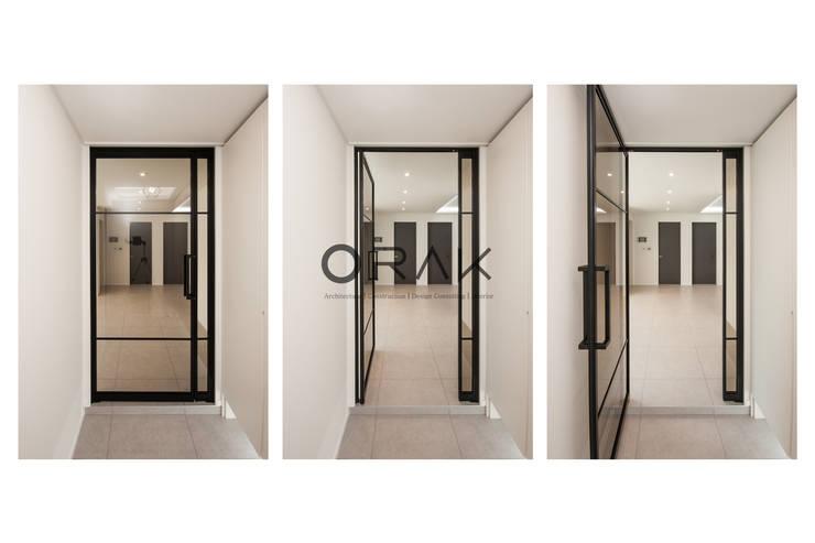 서현동 동양파크빌 / 30평형 아파트 인테리어: 오락디자인의  복도 & 현관,모던