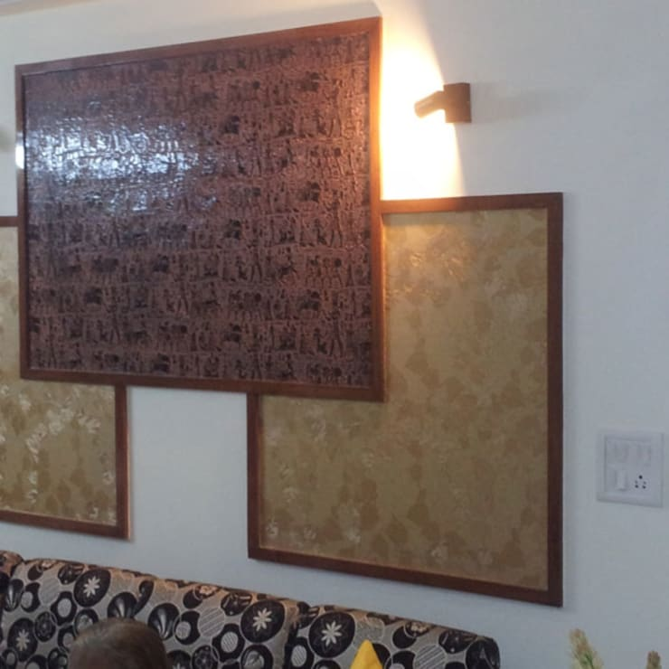 House Indirapuram:  Walls by Radian Design & Contracts