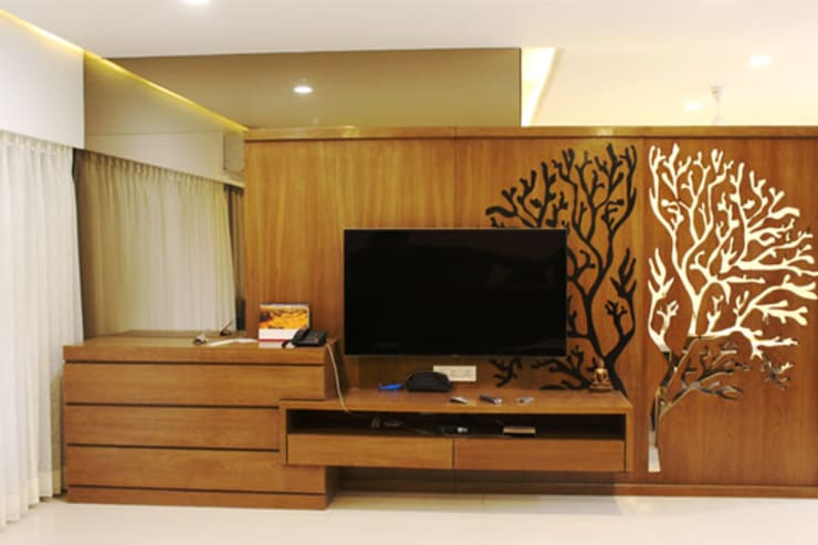 Residential:  Walls by Sumer Interiors