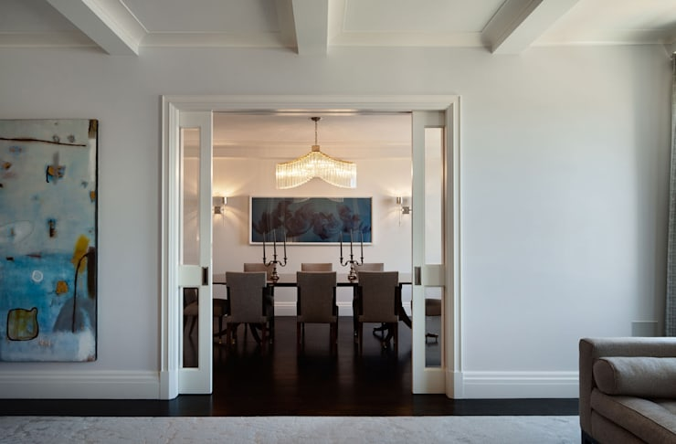 Fifth Avenue Apartment:  Dining room by andretchelistcheffarchitects