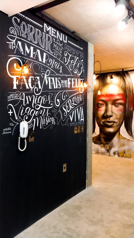 Loft • Lettering na parede: Arte  por Aldric Bonani