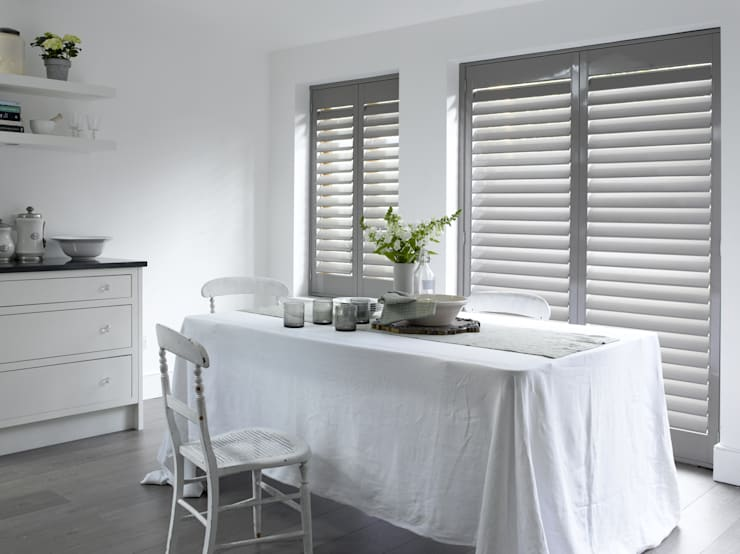 Plantation Shutters—Dining Rooms: minimalistic Dining room by TWO Australia