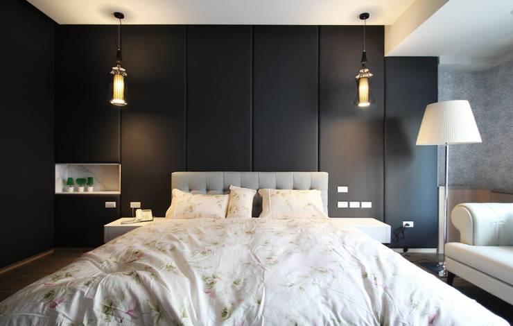 中區 複層住宅:  臥室 by 馬汀空間設計