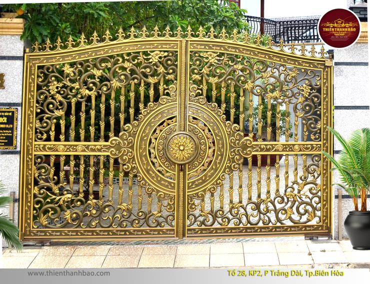 Cổng nhôm đúc tứ linh:  Biệt thự by Cổng nhôm đúc Thiên Thanh Bảo