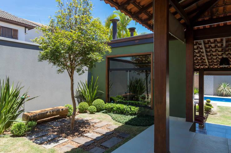 Jardines de estilo  por Le Jardin Arquitectura Paisagística