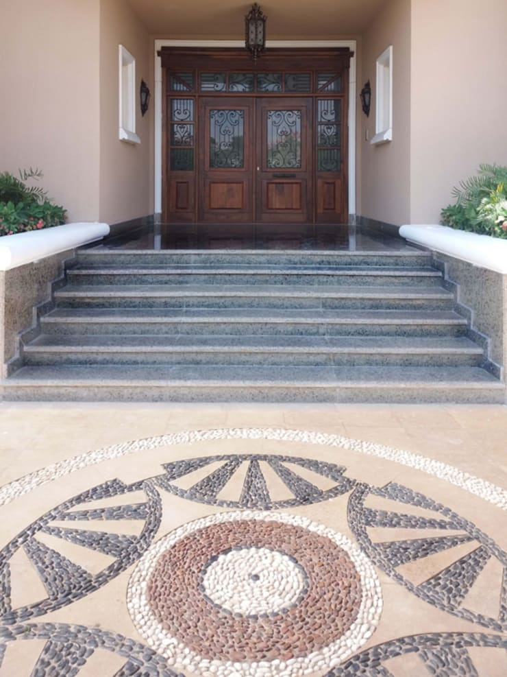 Villa Entry:   by Lotfi & Mourre Consulting