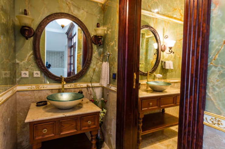 Powder room & guest washroom:   by Lotfi & Mourre Consulting