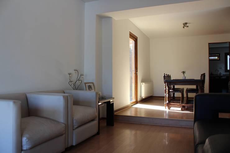 Remodelación Casa Lazo: Livings de estilo  por ARCOP Arquitectura & Construcción