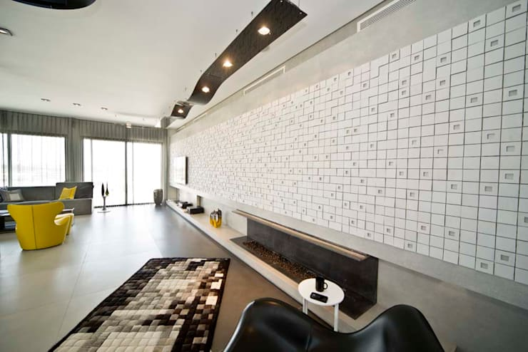 Private Roof: modern Living room by Nisreen Atari,  Architects.Consultants