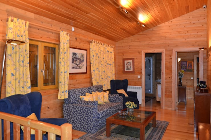 RUSTICASA | Casa da Caniçada | Terras de Bouro: Salas de estar  por Rusticasa