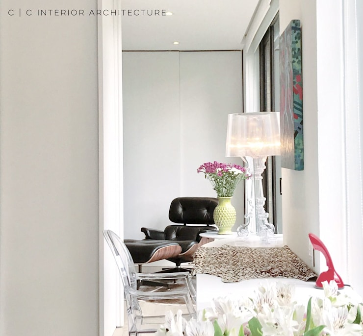 APARTAMENTO ROSALES | Residencial: Estudios y despachos de estilo  por C | C INTERIOR ARCHITECTURE