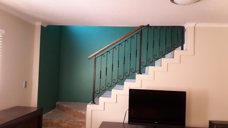 Staircases and such : eclectic  by Indoni Interiors , Eclectic Concrete