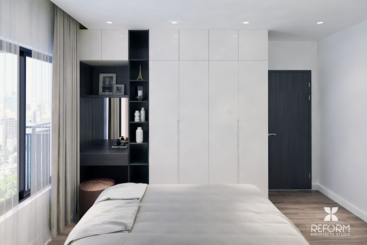 Bedroom by Reform Architects